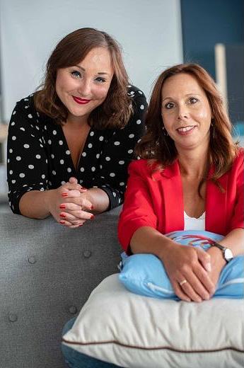 Die zwei Gründerinnen der Eventlocation re-mynd